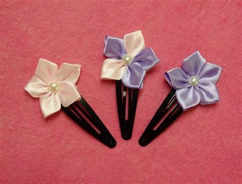Handmade Ribbon Flowers Tutorial - diy kanzashi flower hairclips ribbon flowers tutorial how