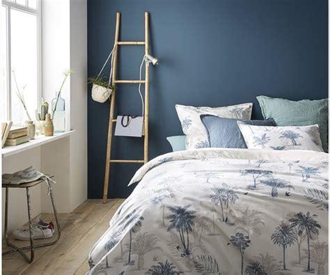 chambre adulte bleue choisir le bon mur 224 peindre et ou 224 d 233 corer dans la pi 232 ce