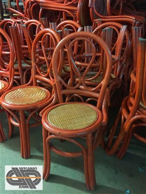 lot de  chaises bois style bistrot occasion vendu