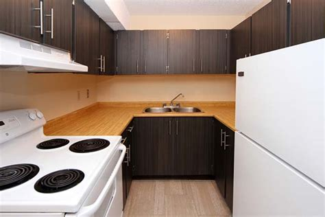 3 bedroom apartments for rent in calgary 3 bedroom apartments for rent calgary at cedar ridge renterspages com