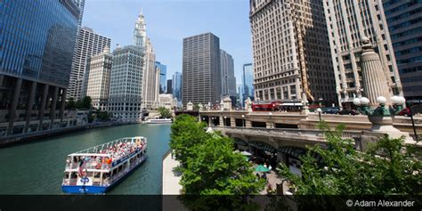 discounts on chicago architecture boat tour chicago architectural river tour discounts save up to 20