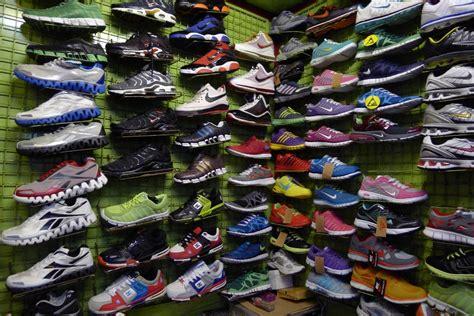 Harga Sepatu Asics Di Taman Puring yuk belanja harga miring di pasar taman puring