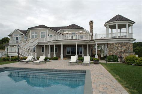 hamptons beach house beach style pool  york