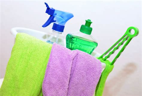 keeping your house clean how to keep your home spotless every day of the week i