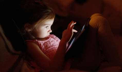 electronic devices  bed tied  lousy sleep