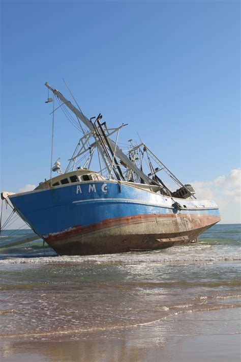 shrimp boat in ormond beach 77 foot fishing ship washes ashore in ormond beach
