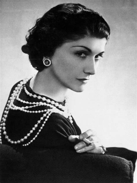 coco chanel easy biography coco chanel life n lesson