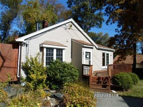 64 canning st cumberland rhode island 02864 foreclosed