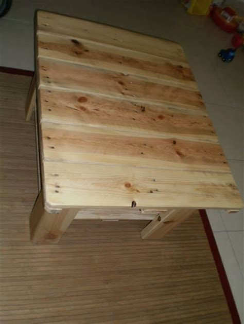 diy small table diy small pallet table 99 pallets