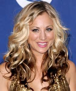 how to get kaley cuoco haircut kaley cuoco voluminous curls party formal fall winter