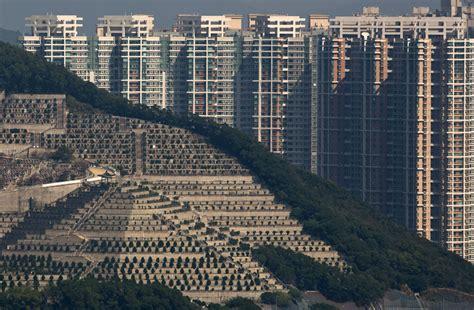 hong kong appartments the dizzying cityscape of hong kong the atlantic