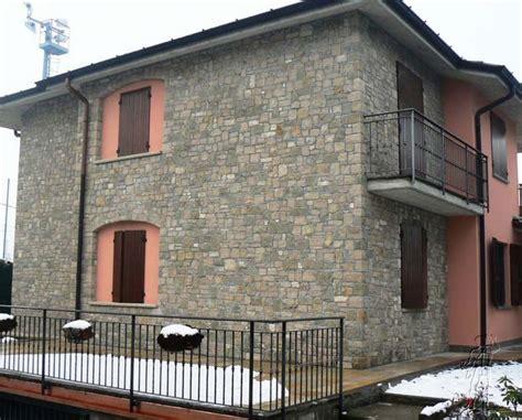 facciata casa massicciate opere fluviali dissesto idrogeologico