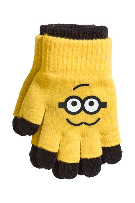 Setelan Hm 2 T Shirt Minion Gloves Fingerless Gloves Yellow Minions Sale H M Us