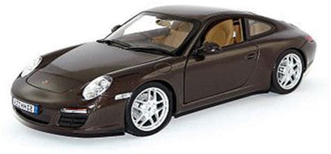 porsche model car bburago porsche 911 s 1 24 scale diecast model