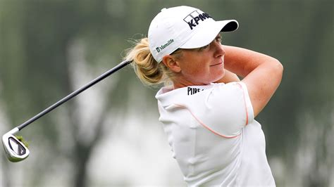 stacy lewis swing stacy lewis caroline hedwall share lead at reignwood