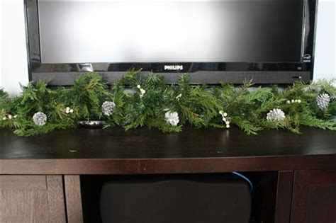 Live Garland Decor - how to decorate with garland and live greenery