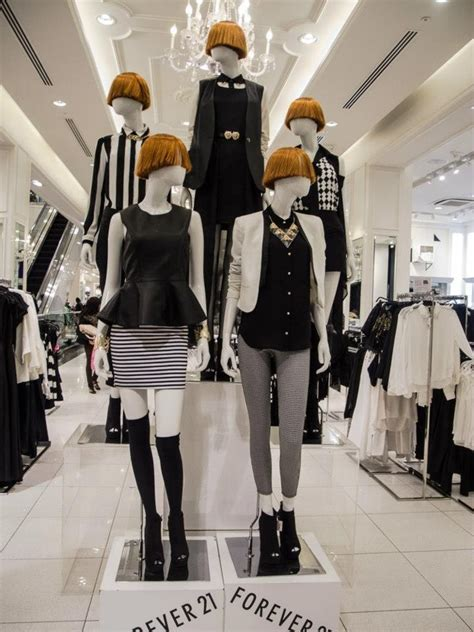 Retail Trends Forever 21 by 25 Best Ideas About Mannequin Display On