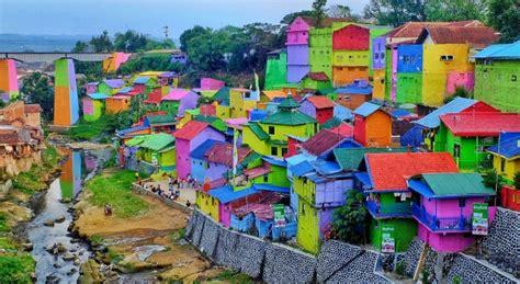 unik inilah  kampung warna warni  indonesia