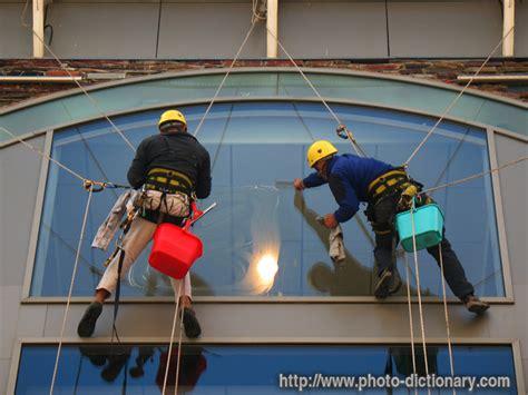 Hohe Fenster Putzen cherish sauls high rise window cleaning