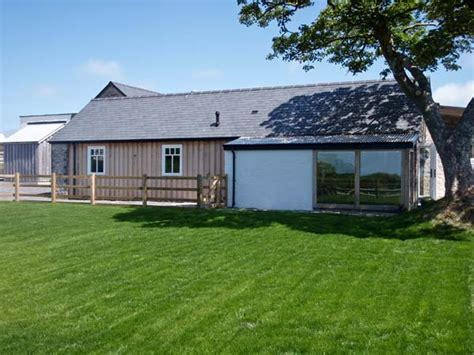 Luxury Cottage Pembrokeshire by Y Cartws Luxury Cottage Newport Pembrokeshire
