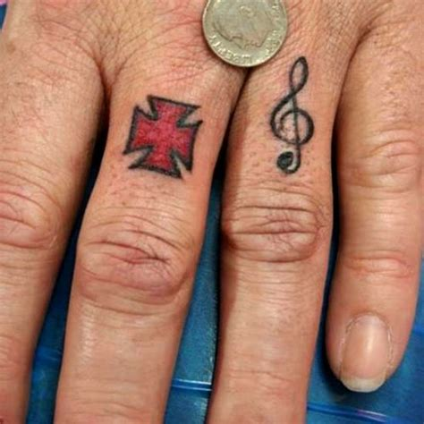 finger tattoo exles 50 awesome finger tattoos that are insanely popular