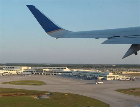Mba Airport Fort Myers by L 237 Deres De Fort Myers Promueven Vuelos Directos Fort Myers