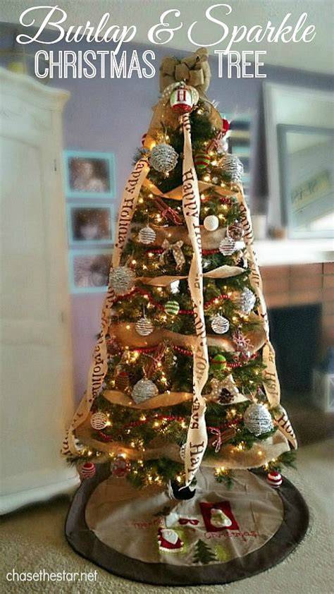 how to geed burlap in a christmas burlap and sparkle tree