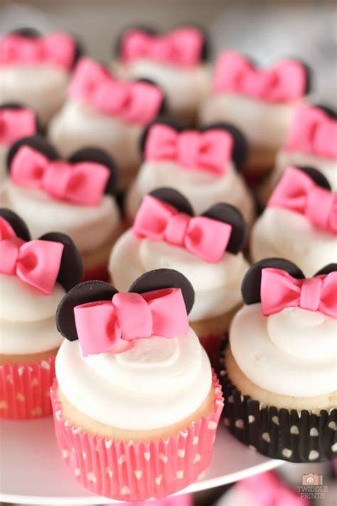 How To Decorate For A Birthday Party At Home by 7 Things You Must Have At Your Next Minnie Mouse Party