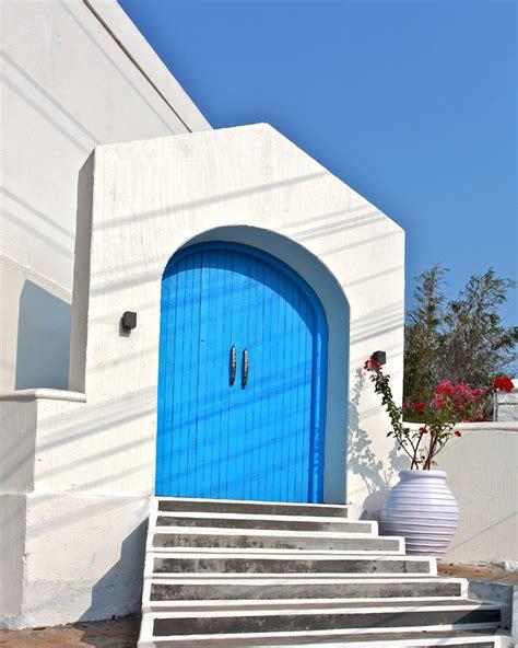 the blue door restaurant by saloni narayankar interiors