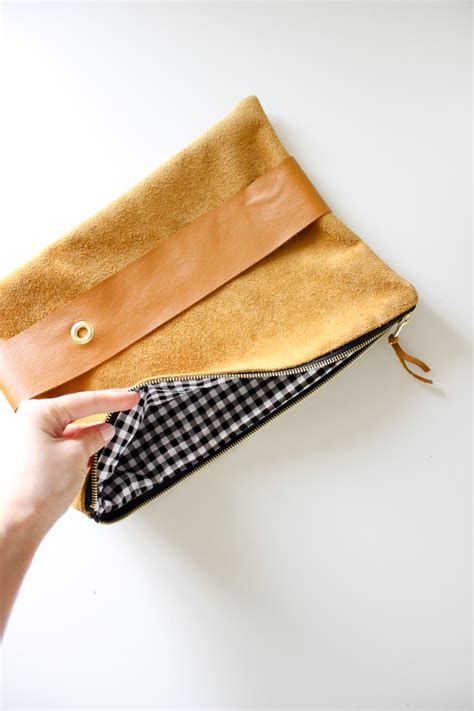 Diy Leather by Diy Leather Clutch Tutorial Giveaway