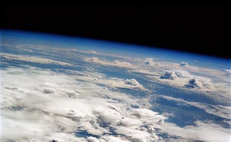 Armosphere L pourquoi le ciel est il bleu question de science
