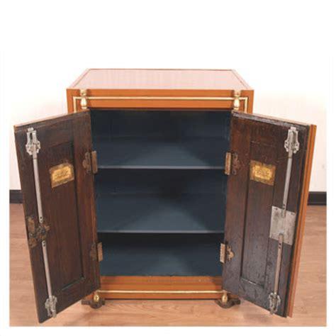 oggetti particolari per arredare casa 28 12 09 arredare con oggetti particolari vecchia cassaforte