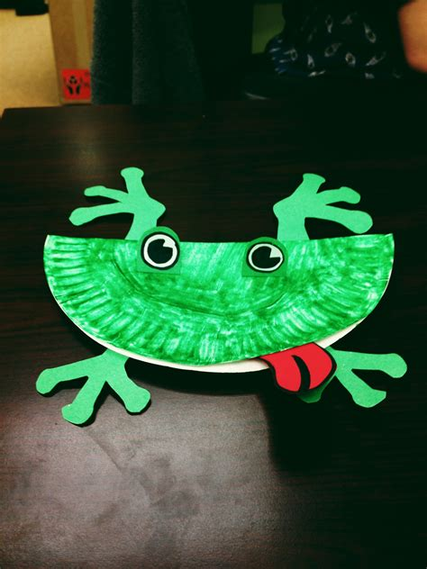 Frog Papercraft - chipper recycle craft paper plate frog let s go chipper
