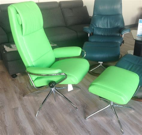 green leather recliner chair stressless paloma summer green leather by ekornes