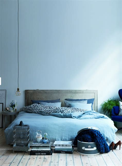 serenity blue paint how to decorate your home with pantone s serenity blue
