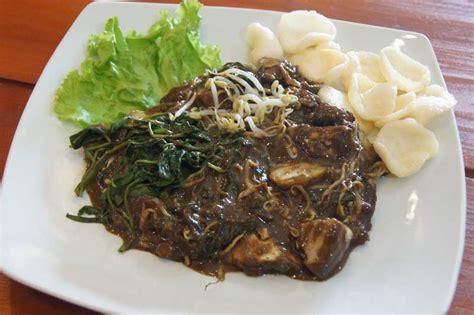 Petis Madura Pelengkap Makanan Bumbu Rujak 6 kuliner khas surabaya yang wajib kamu coba