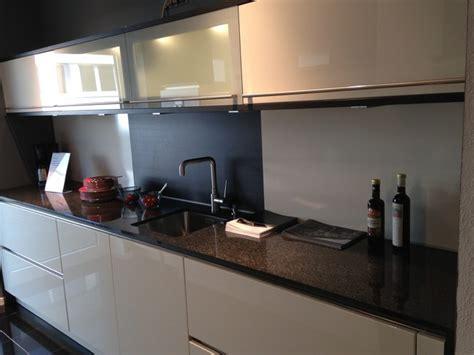 häcker küchen fronten k 252 che magnolia rot