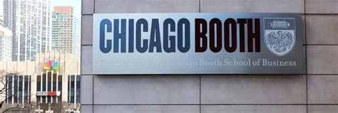 Chicago Booth Mba Application Login by Veteran Chicago Booth Admissions Dean Into New