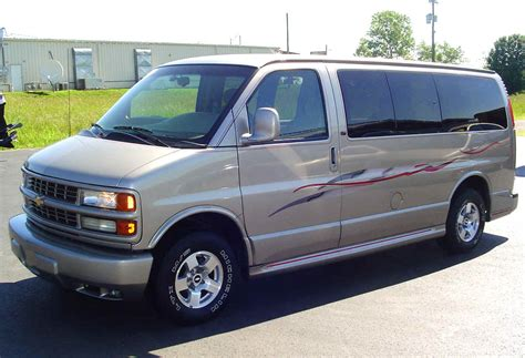 chevrolet express 2004 chevrolet express information and photos zombiedrive
