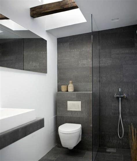 Kleine Badezimmer Fliesen Design by Kleines Bad Fliesen Helle Fliesen Lassen Ihr Bad Gr 246 223 Er