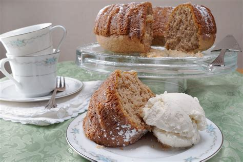 how to remove bundt cake from a pan leaftv