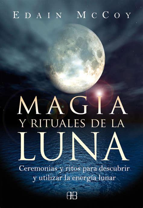 libro en la luna 5 libros para entender la magia wicca y convertirte en bruja letras