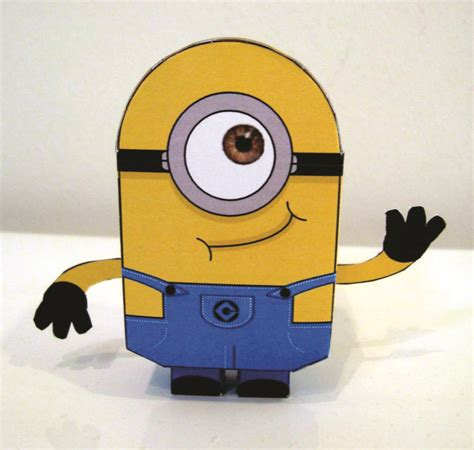 Minion Papercraft - dave s paper crafts
