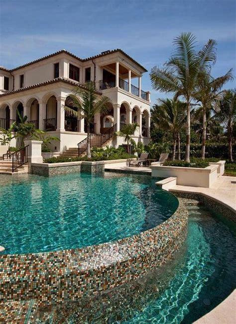 maitre gims fait visiter sa nouvelle villa de luxe au maroc