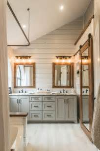 Farmhouse Vanity Bathroom Best 25 Modern Farmhouse Bathroom Ideas On Farmhouse Bathrooms Farm Bathroom