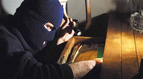 furti in appartamento ostia centinaia di furti in appartamento 15 arresti