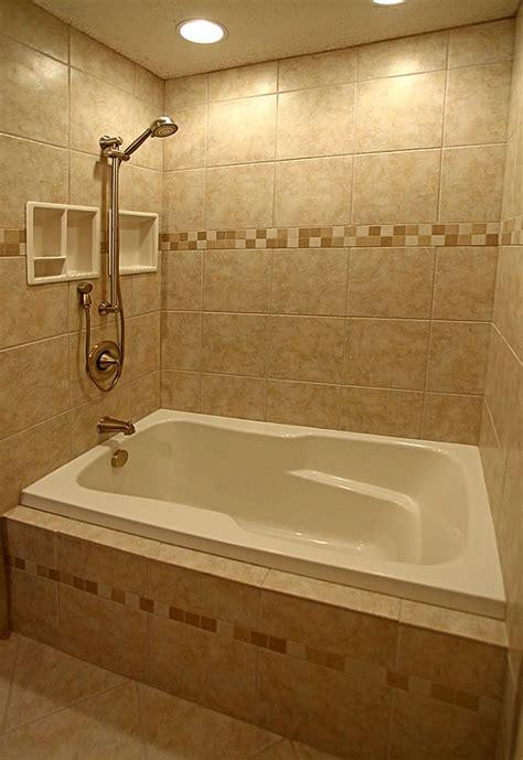 small bathroom ideas with bathtub banheiro pequeno com banheira