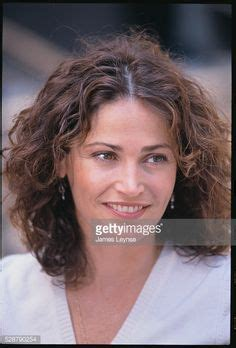 actress who plays delaney in neighbours kim delaney nypd blue blonde google search nypd blue