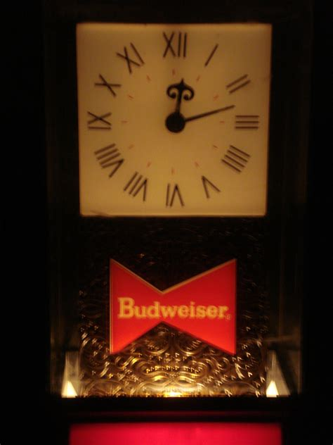 budweiser light up sign vintage budweiser beer sign light up clock collectors