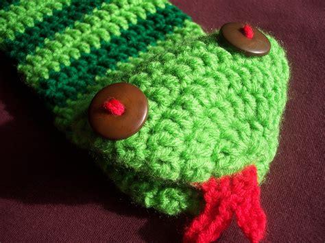 snake puppet stitch11